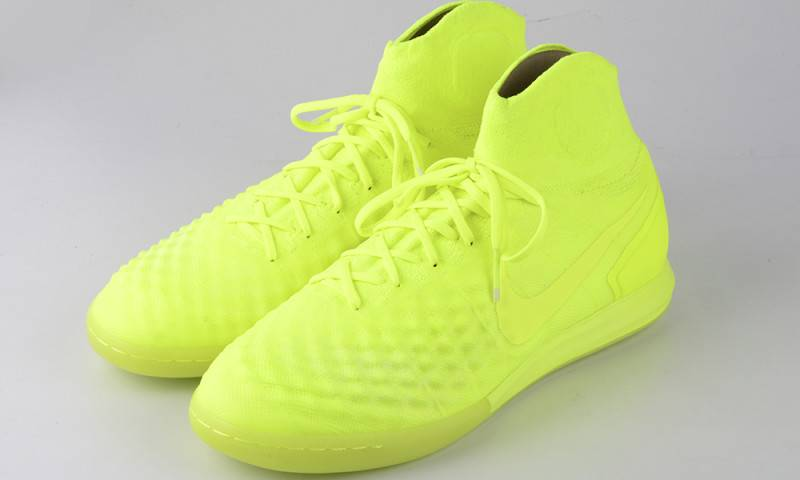 NIKE FootballX Floodlights Glow_10