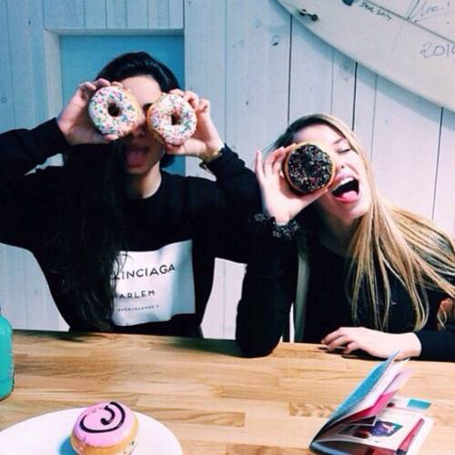 best-friend-donut-food-friendship-Favim.com-2973942