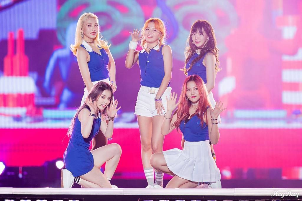 Red_Velvet_Hallyu_Festival_in_Incheon_2016