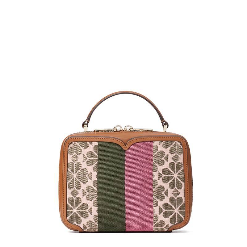小巧的 Vanity 手提包同以黑桃心點綴,時尚優雅。HK$ 2000