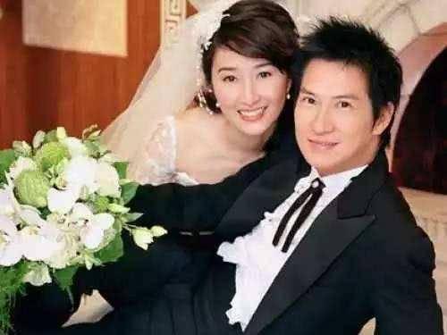 原來二人結婚已經17年,拍拖18年。