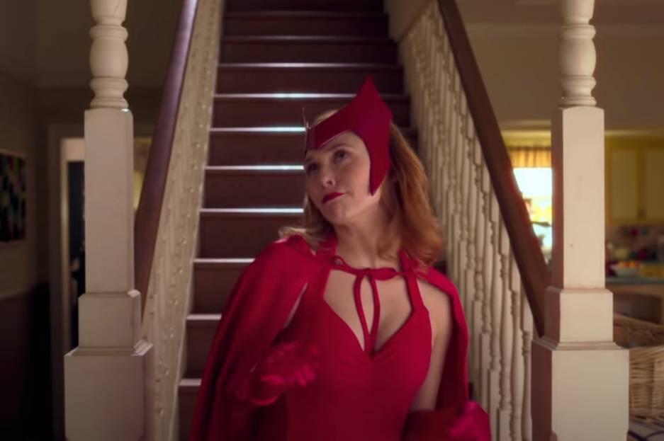 紅女巫重現漫畫中的經典造型