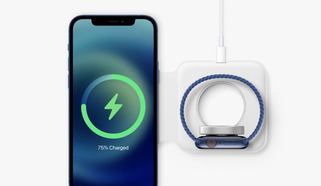 利用機背磁石計計,MagSafe可以貼著機背充電