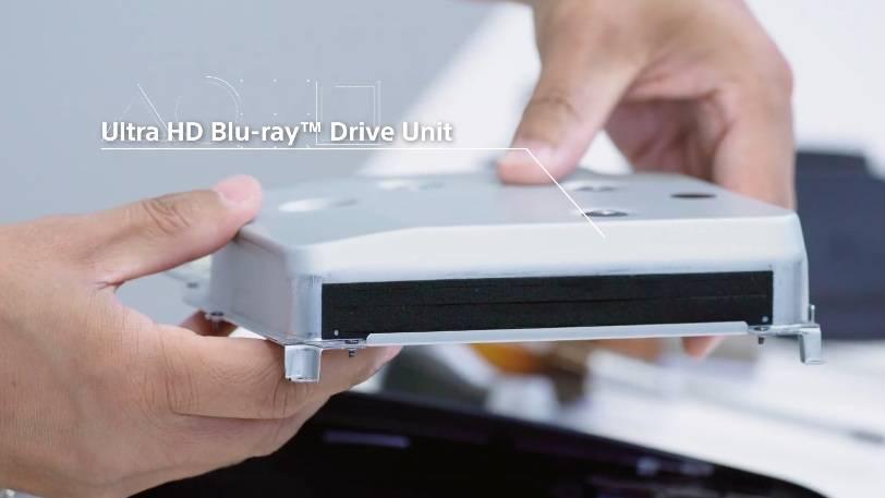 金屬材料製成外殼的Ultra HD Blu-ray光碟機,由於配有雙層避震墊,可以減少光碟旋轉時所產生的震動同噪音