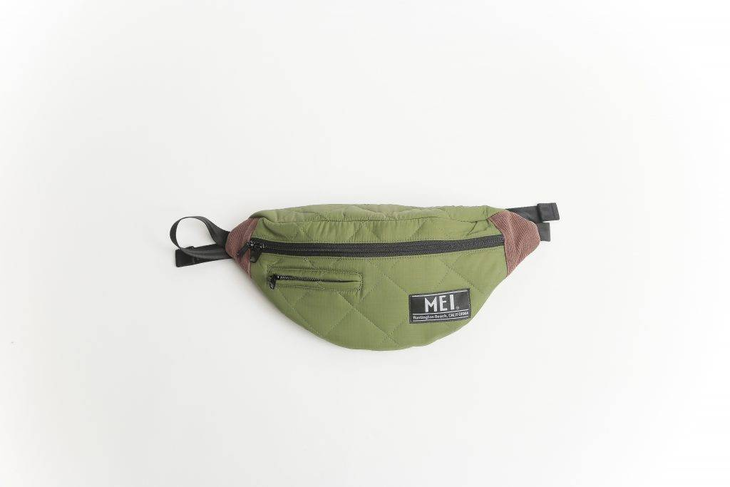 MEI QUILTING BODY BAG OLIVE  原價9 減至5