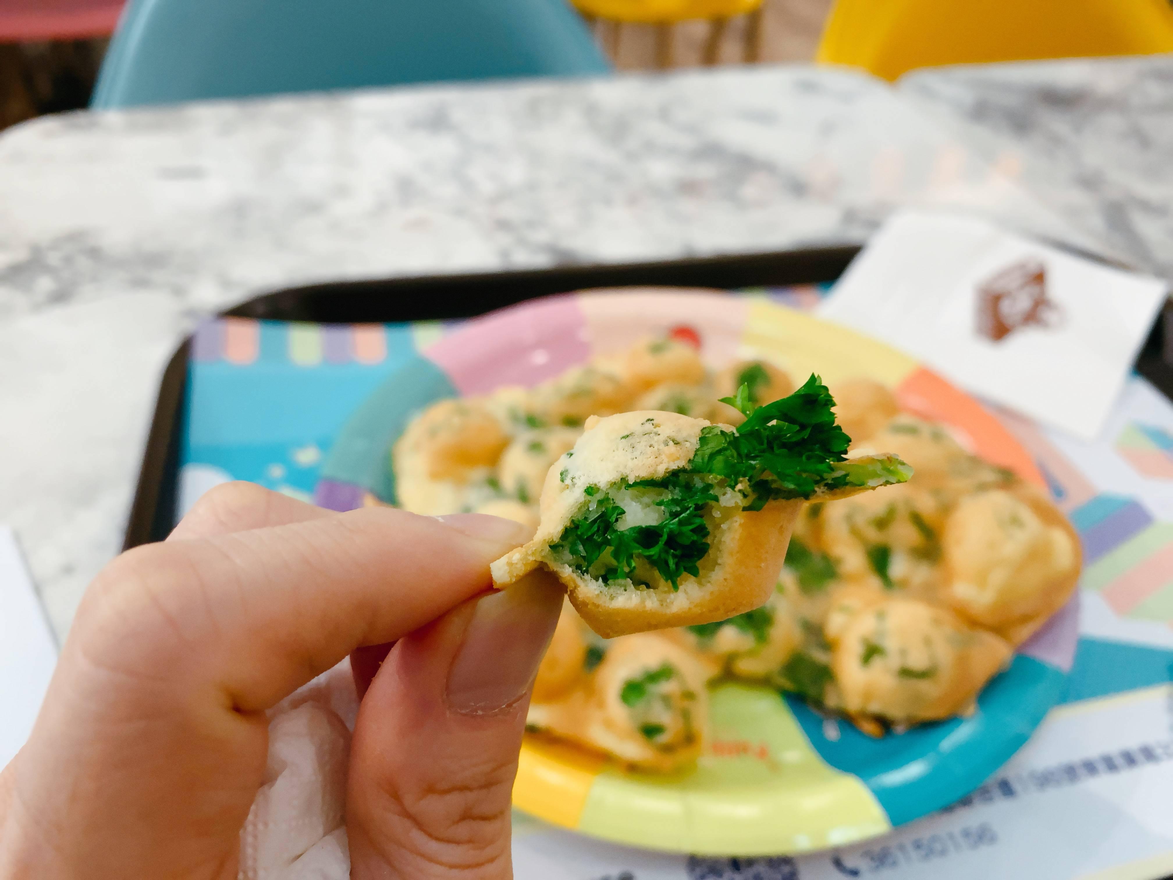 【芫茜雞蛋仔 】美食定劣食?超極端味道食物. 網民:我完全想像唔到囉! 仲有黑松露漢堡
