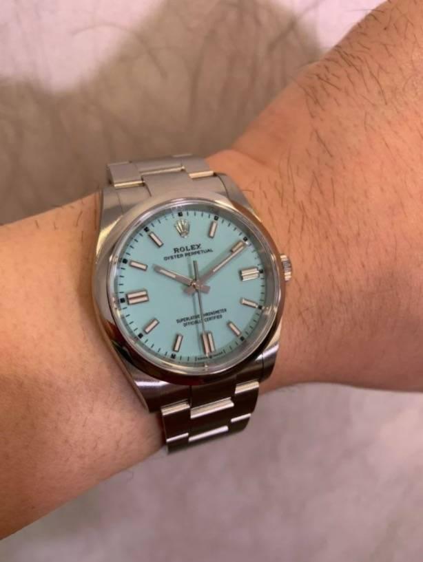 估計Rolex鼓勵買家在Rolex專賣店或AD店買新錶