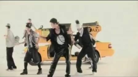 想當年,陳偉霆首《Taxi》,MV都係向《回到未來》致敬。