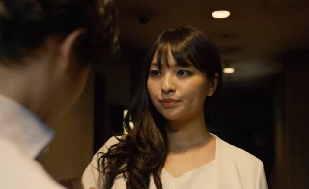 水崎綾女飾演紫吹小織,首集就與他們一齊進行遊戲生死戰;及後,紫吹小織還將自己同老闆進行一事告知張太。
