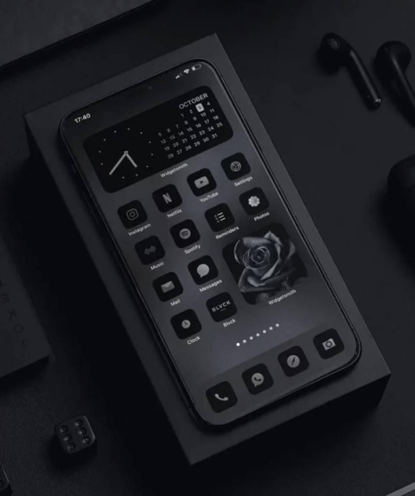 iPhone介面全黑化型到爆?法國黑魂品牌「BLVCK」官網推iPhone All Black介面