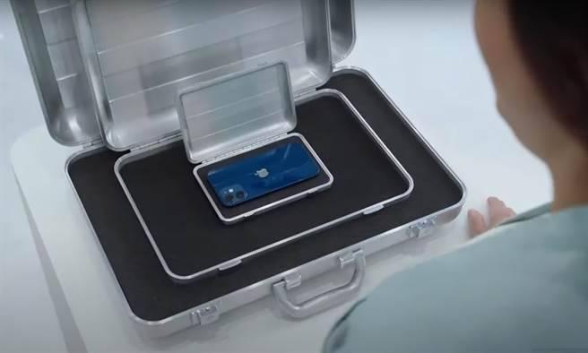 Morgan Stanley(摩根士丹利)就有份報告指出,iPhone 12 mini 僅佔10月美國iPhone 12銷量6%,銷售不似如期,從而削減近200萬部
