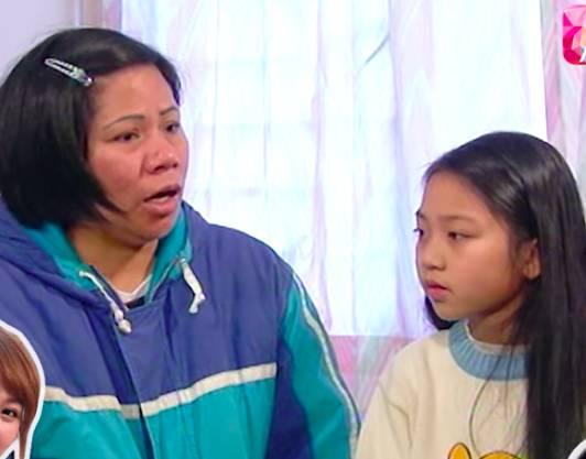 當年她跟媽媽接受亞視藝人鮑起靜訪問