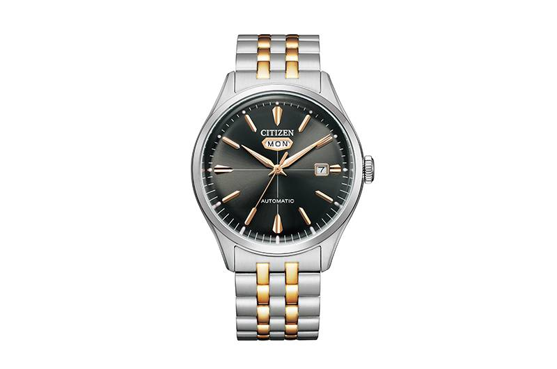 NH8394-70H以五珠鏈帶設計嘅間玫瑰金不銹鋼鏈帶,配以黑色錶盤,屬Formal(商務正裝)系列,型格時尚。NH8394-70H $ 2,280