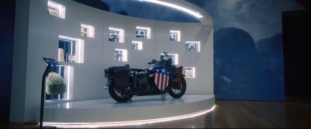 劇集中,美國隊長對外的消息是已離去,因此美國當地政府為美國隊長建造了博物館來紀念