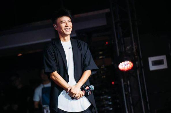 李克勤近日亮相TVB節目《聲夢傳奇》,更擔任導師