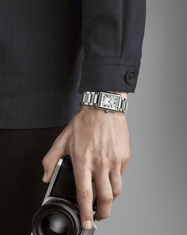 Cartier推出2021新錶Tank Must