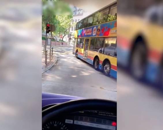 【抖音】罔顧乘客安全隨時出意外。