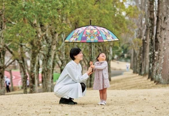 日本推出教堂玻璃雨傘 落雨其實都可以好開心!