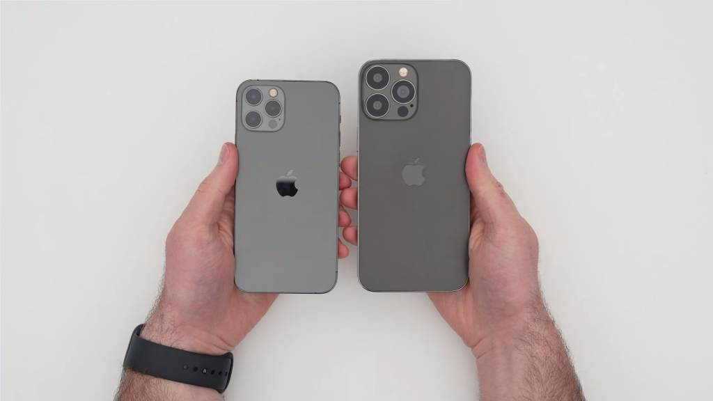 iPhone 13 Pro Max實體模型機曝光!4大重點變化 瀏海變細且窄 後置鏡頭較iPhone 12 Pro Max大
