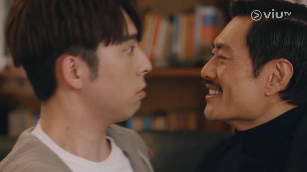 不少網友都以為這一幕黃德斌會鍚Edan,紛紛在電視旁大叫「唔好呀~」(圖片來源:《大叔的愛》截圖)