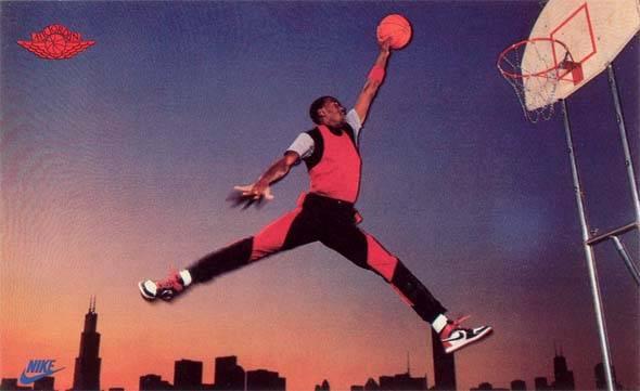 對於當時球鞋界來說,佐敦突破了運動鞋固有的形象。(圖片來源:Ballislife)